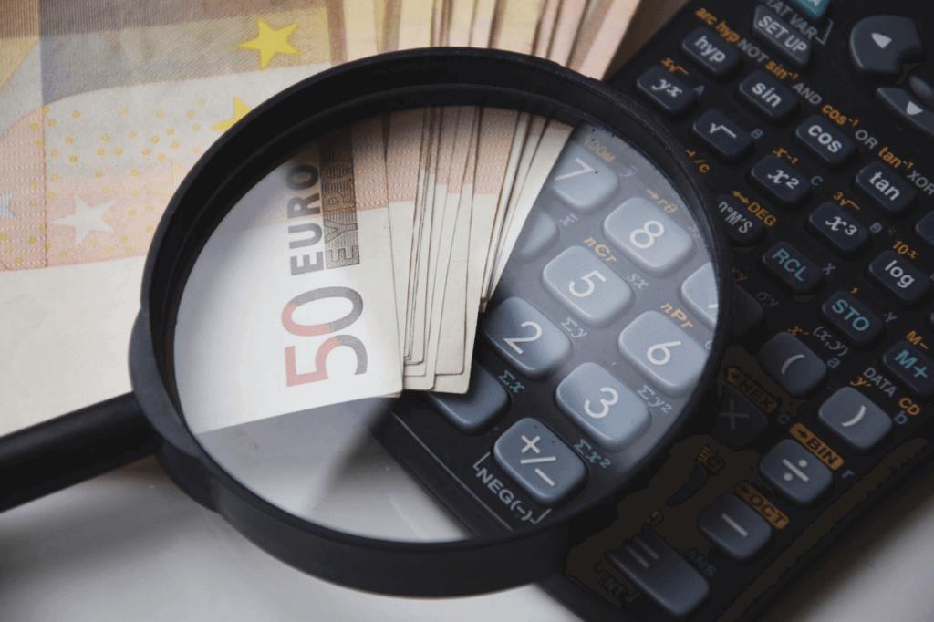 Ile można wpłacić do banku bez kontroli US